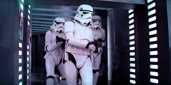 Movie-Mistakes-Star-Wars-Stormtrooper-Head