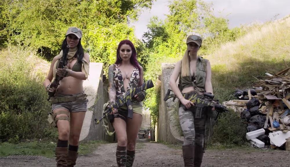 Новая порнопародия от Brazzers на Call of Duty - Cock of Duty, радует глаз спецэффектами